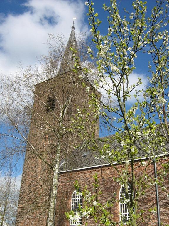 Een kerkje in het dorp